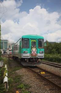 粟生に向かう北条鉄道の車両