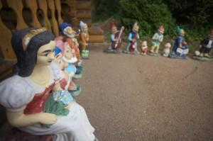 ログハウスにいた人形たち