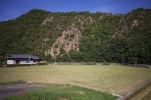 衝原湖付近の田んぼと山